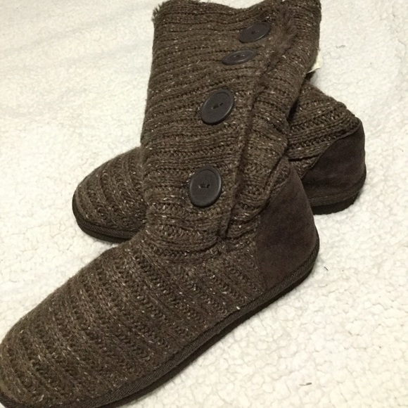 NWT muk Luks brown sweater boots